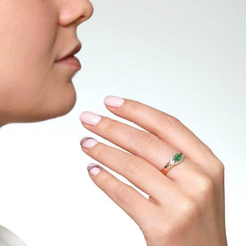 Кольцо из комбинированного золота с бриллиантами и изумрудом (3010519) - фото №2