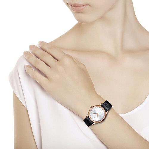Женские золотые часы (238.01.00.000.08.01.2) - фото №3
