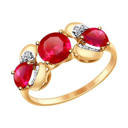 Кольцо из золота с корундами рубиновыми (синт.) и фианитами (714704) - фото