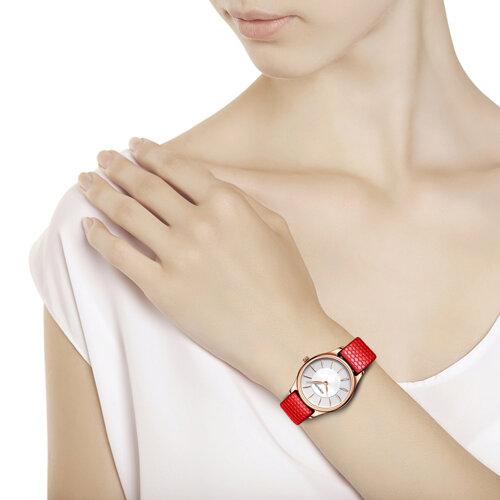 Женские золотые часы (238.01.00.000.04.03.2) - фото №3