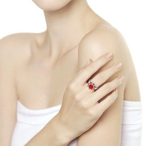 Кольцо из серебра с кораллом и красными фианитами