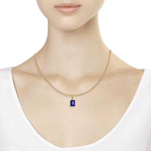 Подвеска из золота с бриллиантами и синим корунд (синт.) (6032079) - фото №2