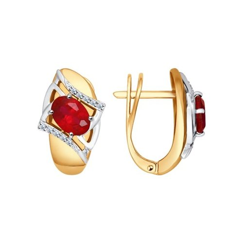 Серьги из комбинированного золота с бриллиантами и корундами рубиновыми (синт.)