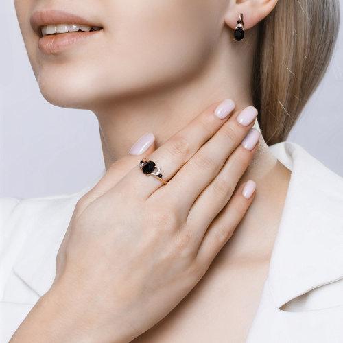 Кольцо из золота с чёрным агатом и бесцветными и чёрными фианитами 715238 SOKOLOV фото 5