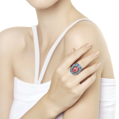 Кольцо из серебра с розовым кристаллом Swarovski и фианитами