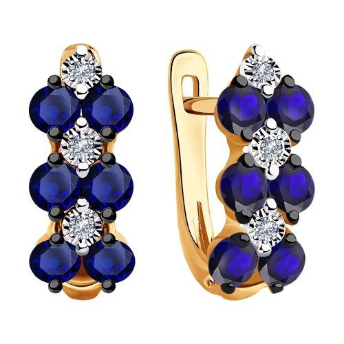Серьги из комбинированного золота с бриллиантами и синими корунд (синт.) (6022161) - фото №2