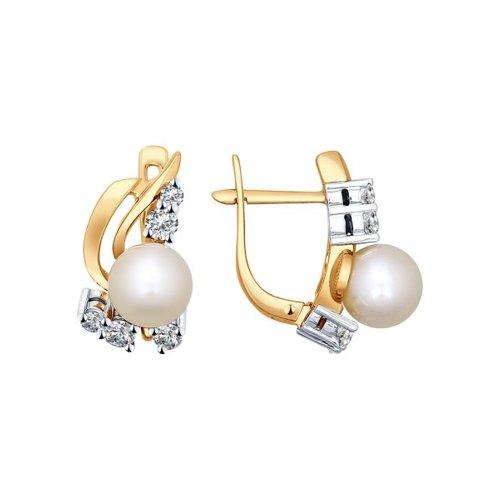 Серьги из комбинированного золота с бриллиантами и жемчугом (8020030) - фото