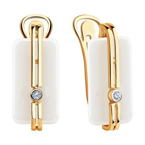 Серьги из золота с бриллиантами и белыми керамическими вставками (6025108) - фото №2
