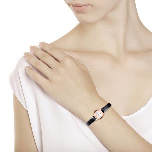 Женские золотые часы (211.01.00.000.04.01.3) - фото №3